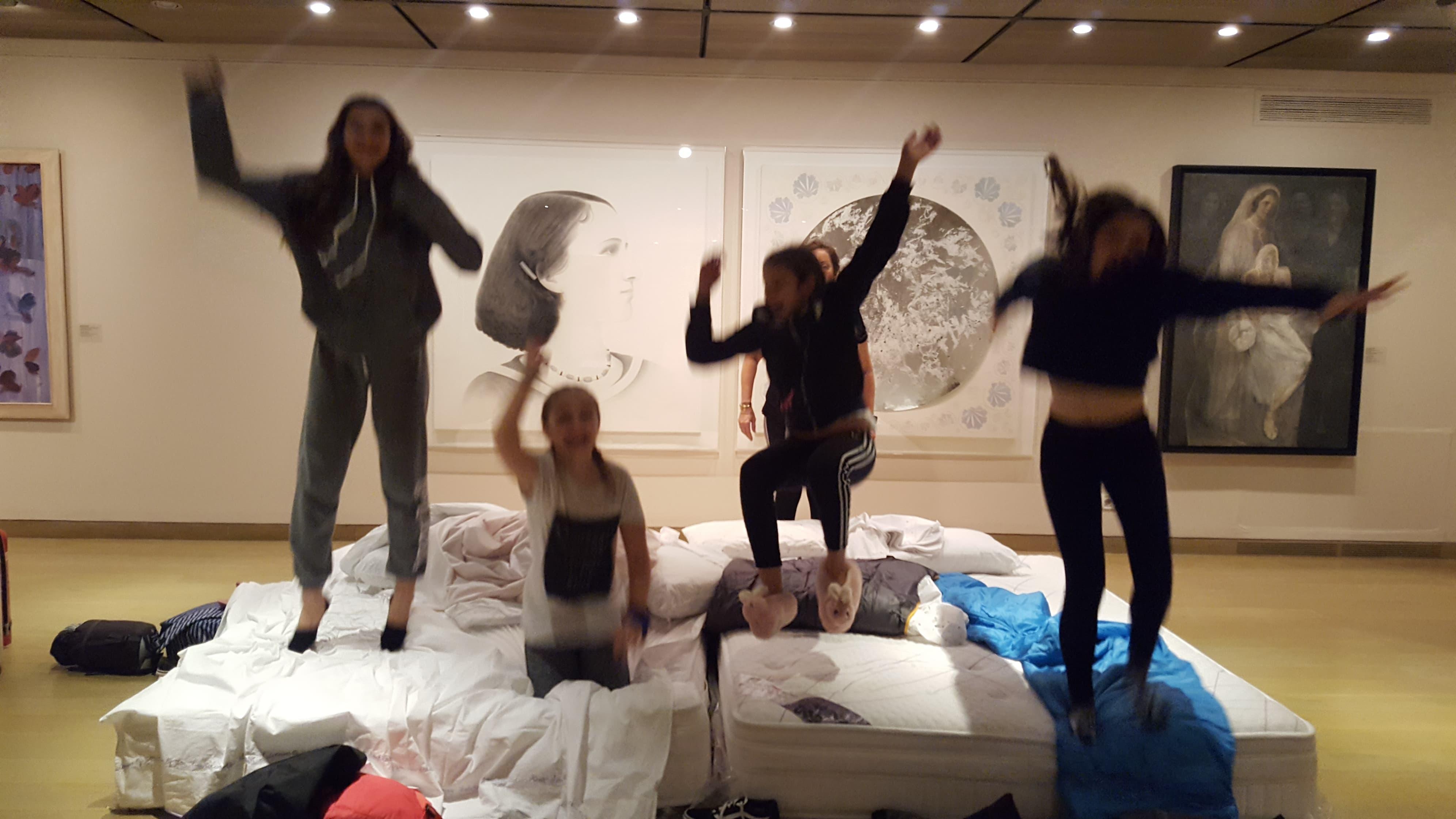 Μία νύχτα στο Ίδρυμα Θεοχαράκη! (Museum Sleepover) | Για παιδιά 8-12 ετών και γονείς